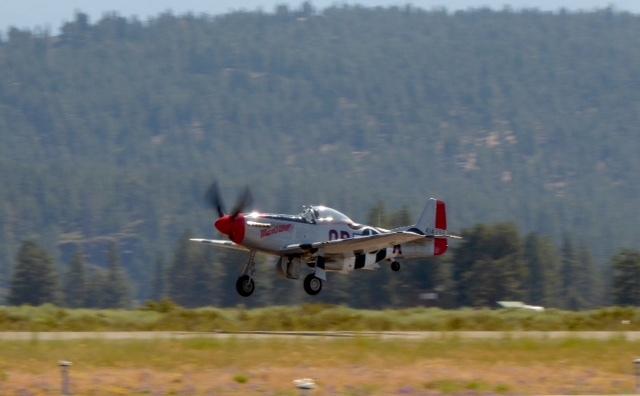 Slider airshow mustang