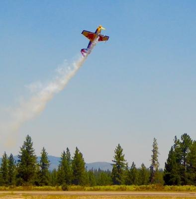 Slider airshow red bull in flt